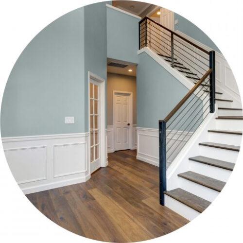 Peinture gris bleuté haut de gamme pour mur et plafond