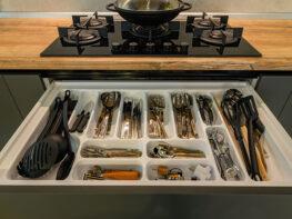 L'art de bien ranger votre tiroir de cuisine