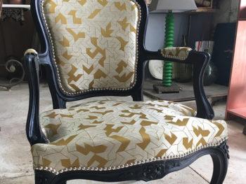 Restauration ancien fauteuil avec un pied HS à Cournonterral 34